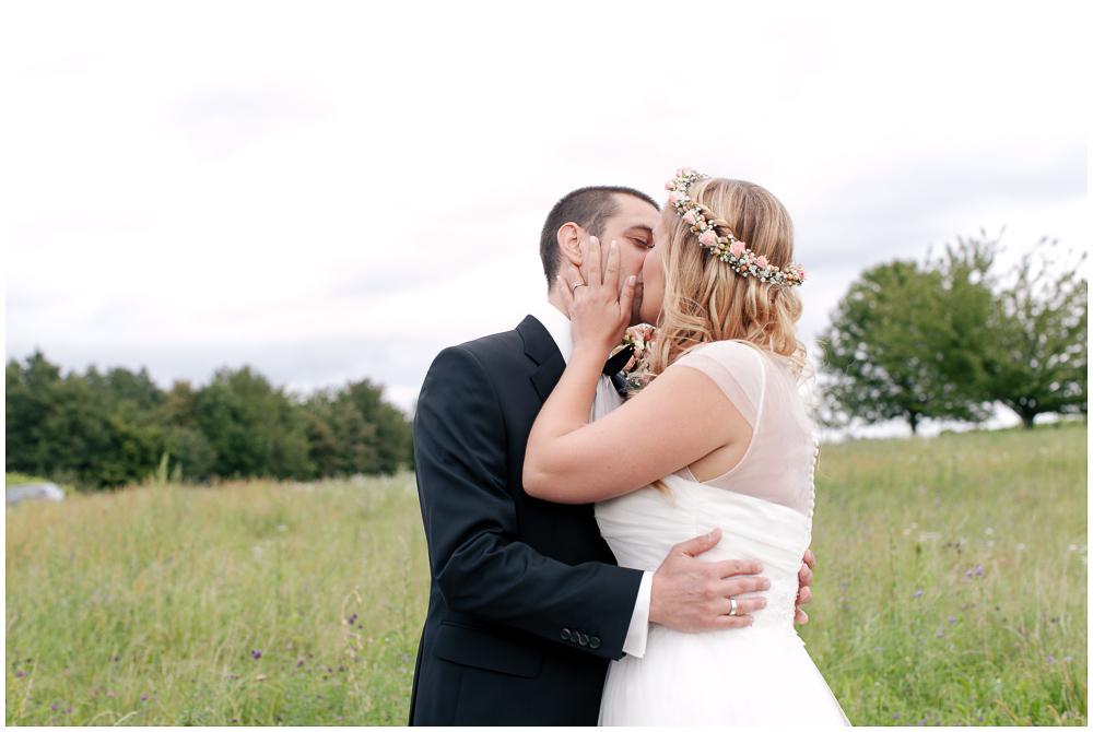 First Kiss Hochzeit