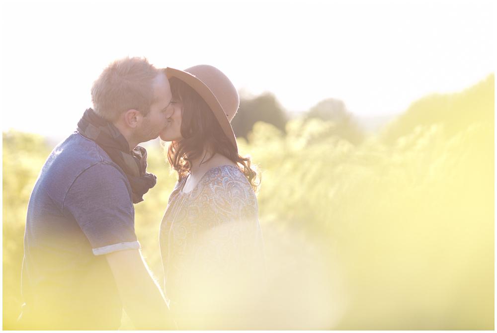 Verlobungsfotos im Sonnenuntergang