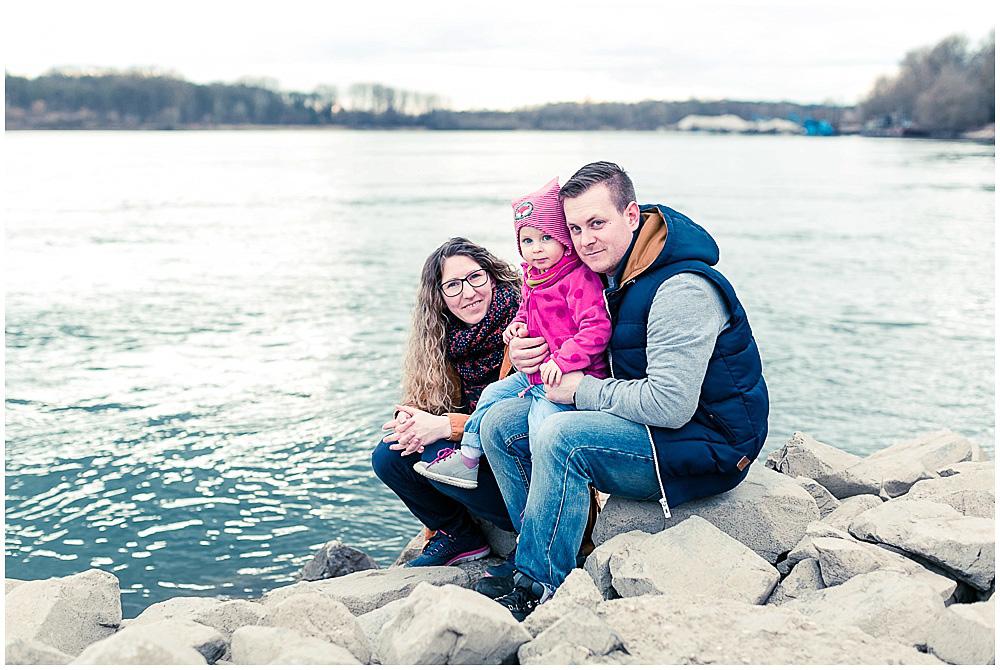 Familienfotos am Rhein
