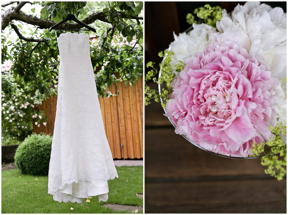 Hochzeitskleid Garten