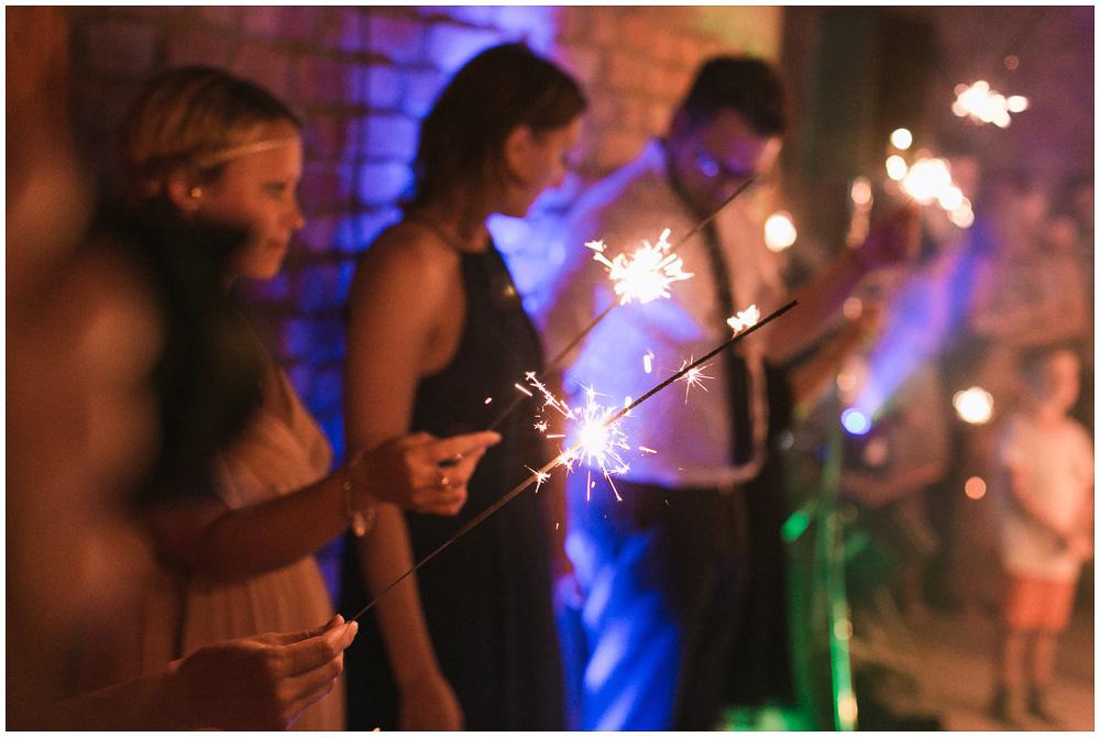 Hochzeit Wunderkerzen Tanz