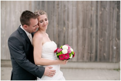 Brautpaar Scheune