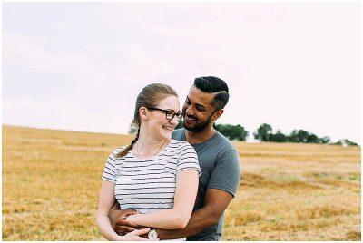 Verlobungsfotos im Herbst